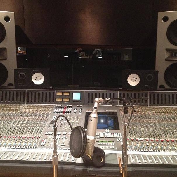 connor dre studio 2